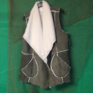 Nordstrom Caslon Vest Women's XL olive faux NWT
